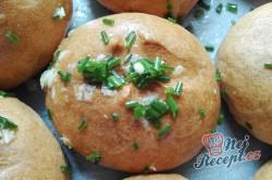 Příprava receptu Česnekové housky připravené do půl hodiny, krok 2