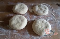 Příprava receptu Pita chlebíček se sýrem a jogurtem, krok 4