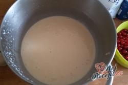 Rybízová bublanina - nejjednodušší recept od babičky, krok 3