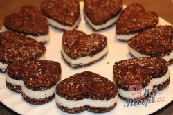 Příprava receptu Nepečené, zdravé Oreo sušenky bez cukru, krok 12