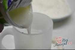 Příprava receptu Kefírové placky se sýrem. Super náhrada pečiva ke snídani., krok 2