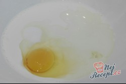 Příprava receptu Lokše z kyselého mléka plněné sýrem, krok 1
