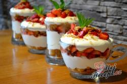 Příprava receptu Nepečené tvarohové sklenice s jahodami, krok 6