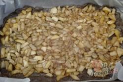 Příprava receptu Strouhaný kokosovo jablečný koláček, krok 5