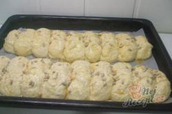 Příprava receptu Stříhané česnekové buchty, krok 3