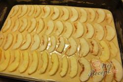 Příprava receptu Výborná a rychlá jablečná buchta, krok 1