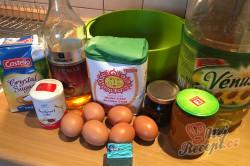 Starý rodinný recept na levné /žebrácke/ koblihy těsně před výplatou, které jsou měkoučké i druhý den, krok 1