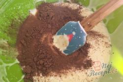 Příprava receptu Dvoubarevný tvarohový koláč s ovocem, krok 4