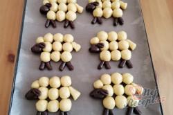 Příprava receptu Velikonoční pečivo OVEČKY bez formy na pečení, krok 2