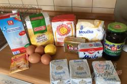 Příprava receptu Jednoduchý tvarohovo borůvkový koláč s drobenkou, krok 1