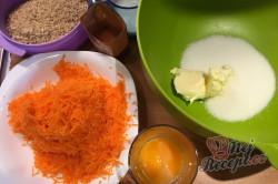 Příprava receptu Nejlepší mrkvovo-ořechová bábovka, krok 2