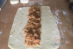 Příprava receptu Dokonalé šlehačkové těsto na nejlepší domácí štrúdl. Úžasně jemné, lahodné a dobře s ním pracuje., krok 5