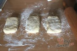 Příprava receptu Dokonalé šlehačkové těsto na nejlepší domácí štrúdl. Úžasně jemné, lahodné a dobře s ním pracuje., krok 4