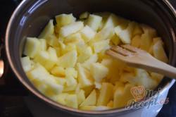 Příprava receptu Luxus na talířku - Jablečné řezy s tvarohovou šlehačkou, krok 3