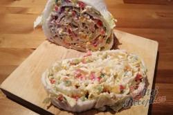 Příprava receptu Fantastická chuťovka namísto chlebíčků - plněné čínské zelí, krok 5
