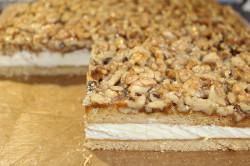 Příprava receptu Fenomenální medové řezy s ořechy, krok 15