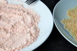 Příprava receptu Křupavé řízky obalené v netradičním trojobalu, krok 4