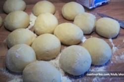 Příprava receptu Sladké věnečky z kynutého těsta, krok 3