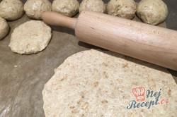 Příprava receptu Voňavé domácí špaldové rohlíky, krok 1