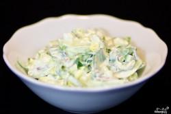Příprava receptu Lehký salát z medvědího česneku s vajíčkem, krok 8