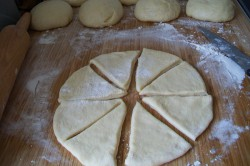 Příprava receptu Nejlepší kynuté rohlíčky - Klausovy rohlíčky (FOTOPOSTUP), krok 6