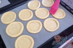 Příprava receptu Česká klasika - Kynuté koláče s drobenkou, krok 3