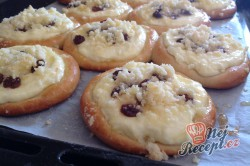 Příprava receptu Česká klasika - Kynuté koláče s drobenkou, krok 5