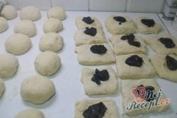 Příprava receptu Buchty na páře posypané grankem, krok 2