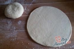 Příprava receptu Pita chlebíček se sýrem a jogurtem, krok 7