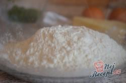 Příprava receptu Nejlepší slané palačinky s česnekem, sýrem a bylinkami, krok 2