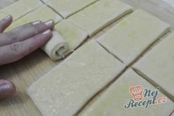 Příprava receptu Máslové kynuté MINI pečivo, krok 2