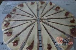 Příprava receptu Extra jemné, lahodné croissanty s čokoládou, krok 6