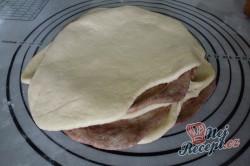 Příprava receptu Extra jemné, lahodné croissanty s čokoládou, krok 4