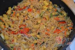 Příprava receptu Čínské nudle s kuřecím masem připravené za 15 minut, krok 4
