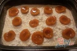 Příprava receptu Rýžový nákyp s meruňkami a tvarohem, krok 7