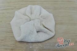Příprava receptu Rychlé langoše plněné sýrem bez kynutí hotové za 10 minut, krok 2