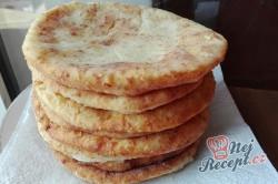 Příprava receptu Rychlé langoše plněné sýrem bez kynutí hotové za 10 minut, krok 4