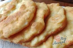 Příprava receptu Bombastický langoše ze zakysané smetany a bez vajíčka, krok 1