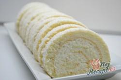 Příprava receptu Křehká kokosová roláda s mascarpone krémem, krok 9