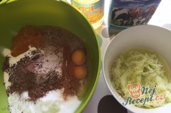 Vynikající hrnkový recept na cuketový perník, krok 2