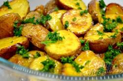 Příprava receptu Pečené brambory s francouzskou omáčkou, krok 10