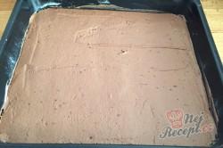 Příprava receptu Fantastický koláč Nescafé se smetanovo čokoládovou pěnou, krok 4