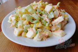 Příprava receptu Výborný celerový salát, který dokonale nahradí oblíbený bramborový salát, krok 2