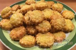Příprava receptu Vynikající záměna za bramborové lupínky nebo slané tyčinky. Slaná sýrová pochoutka k filmu., krok 9