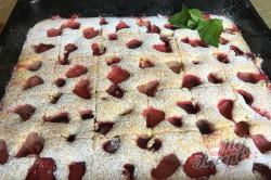 Příprava receptu Jemná jahodová bublanina, krok 10