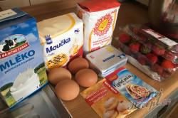 Příprava receptu Jemná jahodová bublanina, krok 1