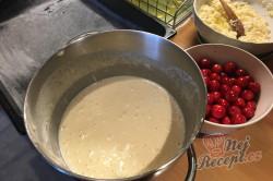 Příprava receptu Maďarský tvarohový koláč s třešněmi, krok 4