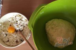 Babiččin recept - tvarohové kynuté šatičky, krok 2