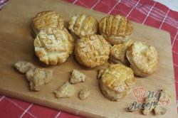 Příprava receptu Maďarské škvarkové pagáče pro šťastného manžela, krok 1