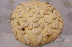 Příprava receptu Tradiční velikonoční mazanec s mandlemi, krok 6